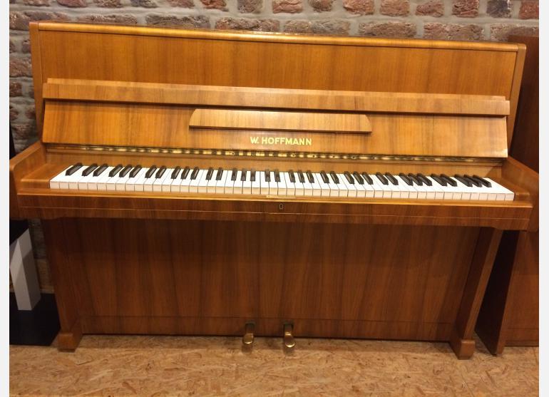 Hoffmann 105